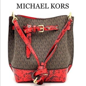 MICHAEL KORS EMILIA SMALL BUCKET BAG MESSENGER